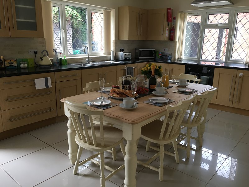 Littledown Farm Sleeps up to 8 Rural Location Dog Friendly, vakantiewoning in Otterton