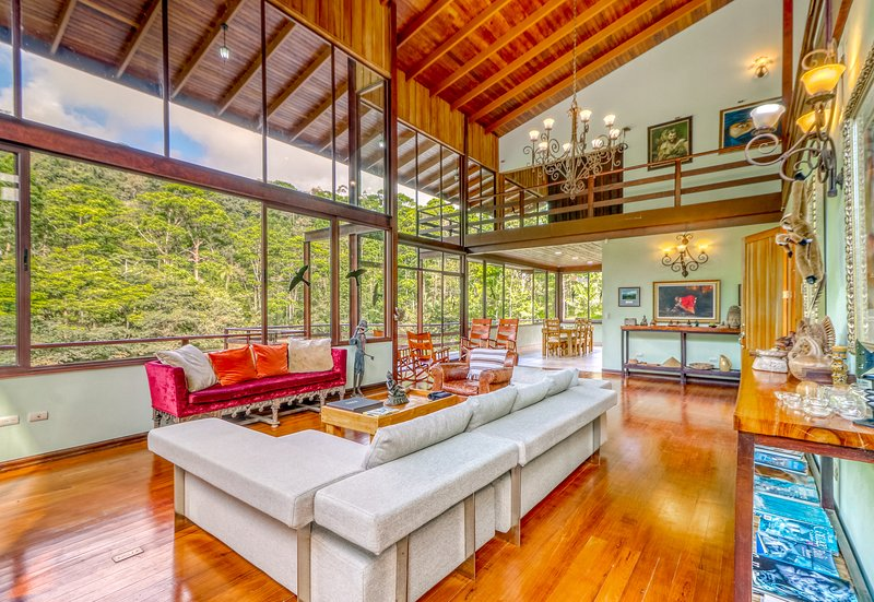 Luxurious lakefront Designer Villa in a Private Reserve - near Arenal Volcano!, vacation rental in Quesada