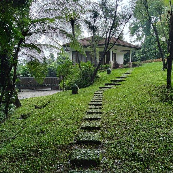 Villa Warung Gunung, Ferienwohnung in Bogor