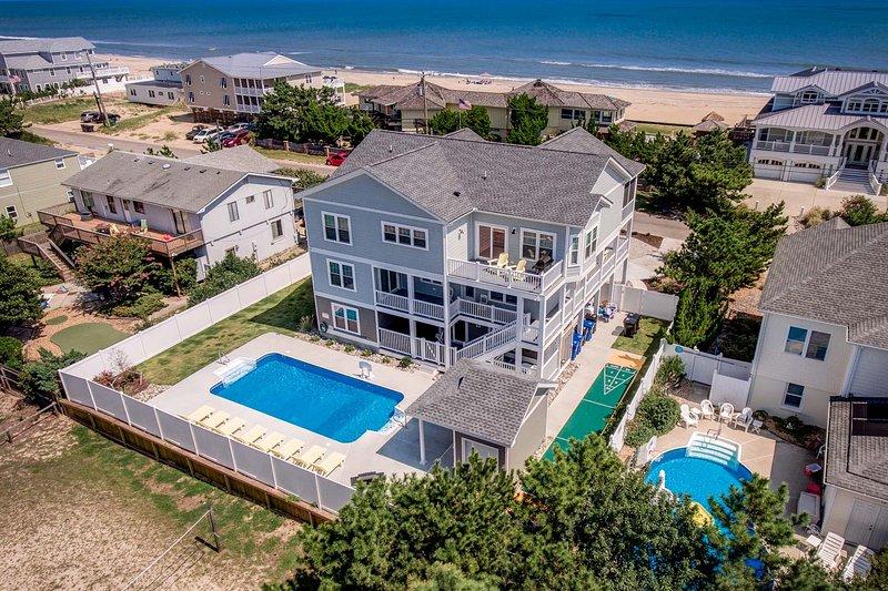 Ruff Life | 320 ft from the beach | Dog Friendly, Private Pool, Hot Tub, location de vacances à Virginia Beach