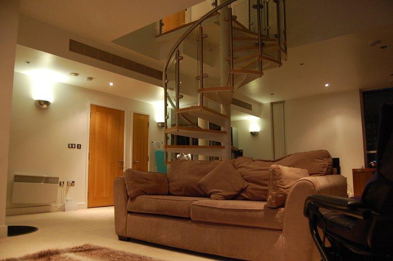 Royal Manzil Apartments ExCeL (Not Available Due To COVID-19), location de vacances à East Ham