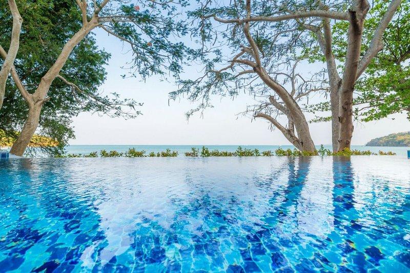 Koh Sirey Beachfront Pool villa - Type 1 Bedroom, holiday rental in Ko Sire