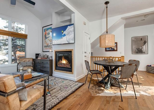 Luxe Townhome with Hot Tub & Bus Shuttle | Walk to Main St. & Old Town Lift, vacation rental in Park City