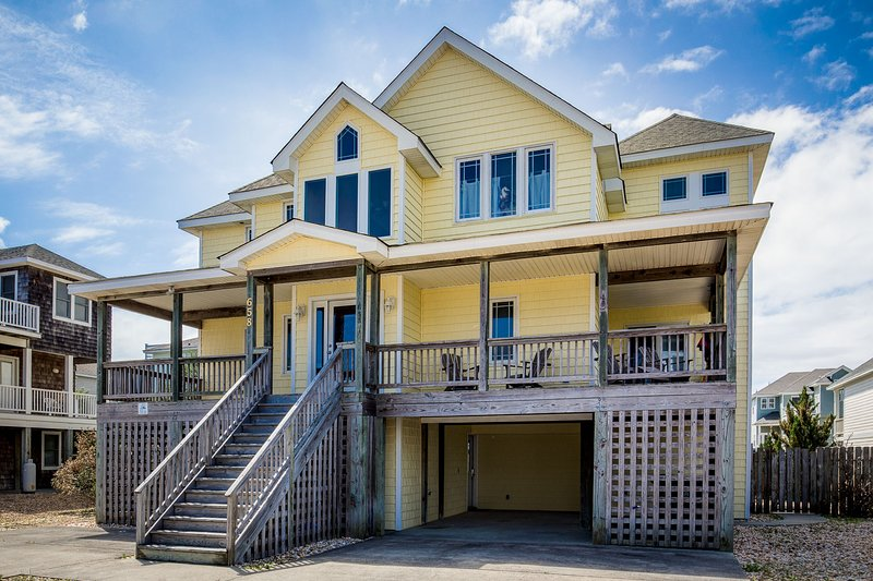 at OBX.CALM | 720 ft from the beach | Hot Tub | Corolla, alquiler de vacaciones en Corolla