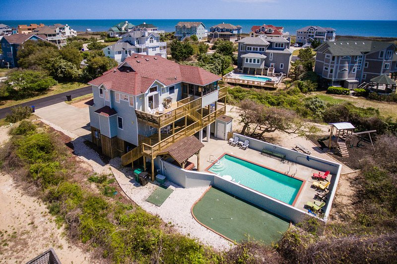 Five Lucky Ducks | 400 ft from the beach | Dog Friendly, Private Pool, Hot Tub |, holiday rental in Duck