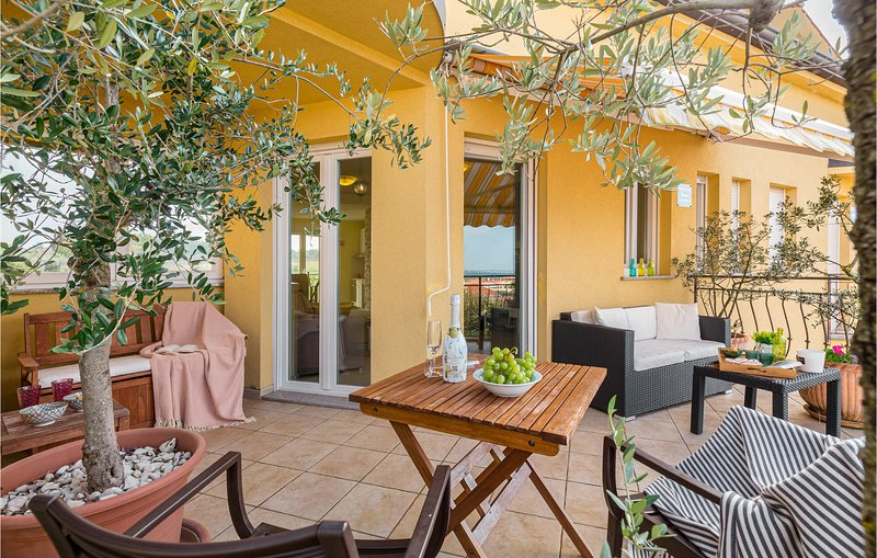 Stunning apartment in Porec with 2 Bedrooms (CIE933), holiday rental in Rosini
