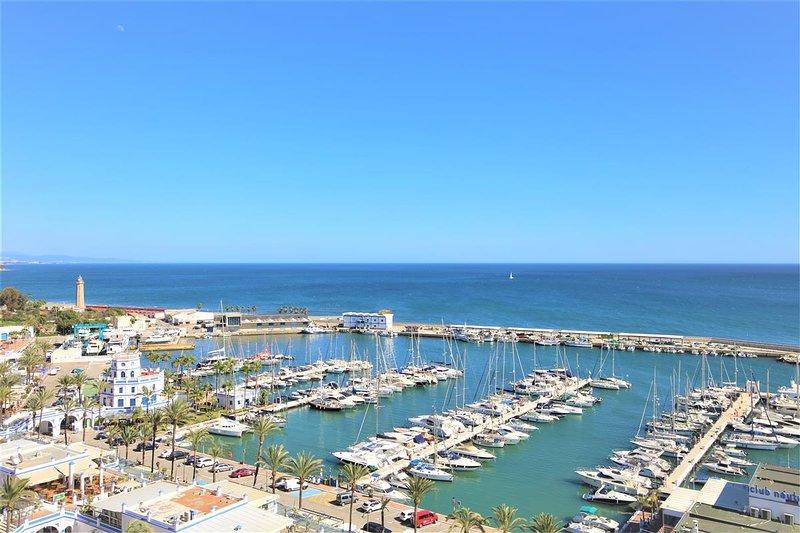 Fantastic sea views and views over the port of Estepona