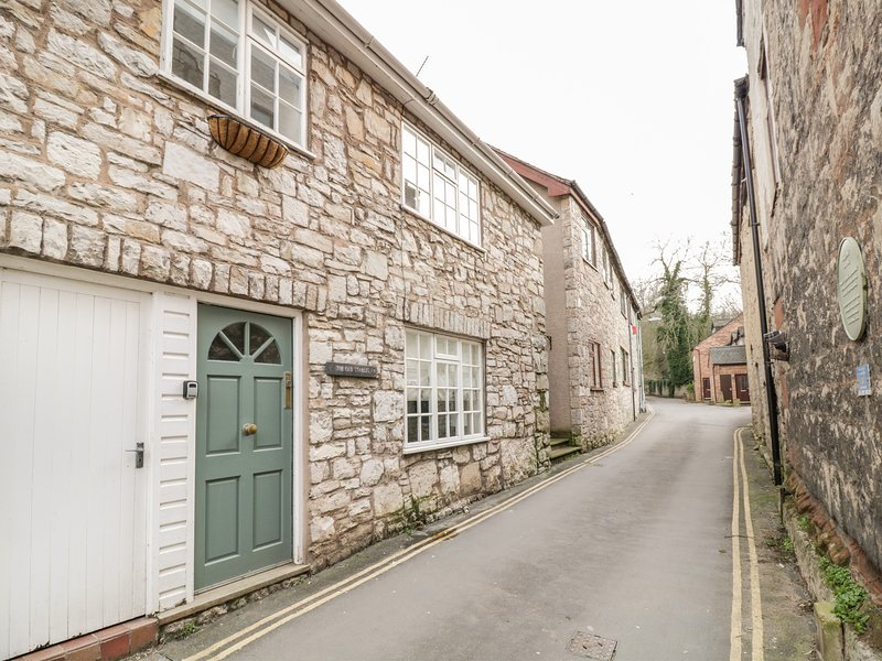 The Old Stables, Ruthin, holiday rental in Llangynhafal