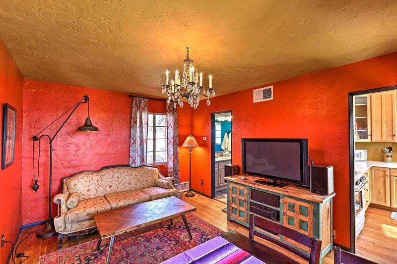 NEW! Southwestern Estate w/Views; Explore Tucson!, alquiler de vacaciones en Casas Adobes