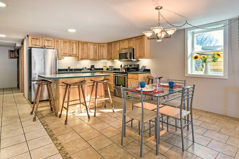 Byron Center Apartment - 16 Miles to Grand Rapids!, holiday rental in Middleville