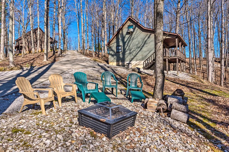 NEW! Private Escape ~ 5 Mi to Dale Hollow Lake!, vacation rental in Albany