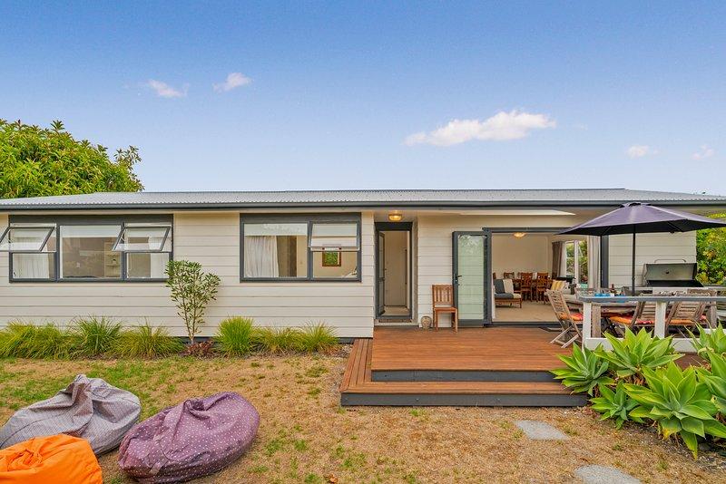 Slice of Pauanui - Pauanui Holiday Home, Abel Tasman National Park, vacation rental in Thames