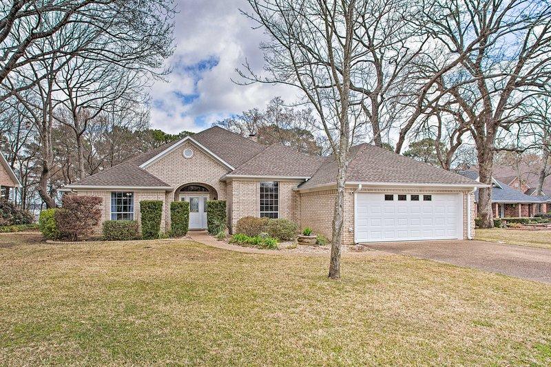 Reserve esta hermosa casa para su escapada al lago hoy!