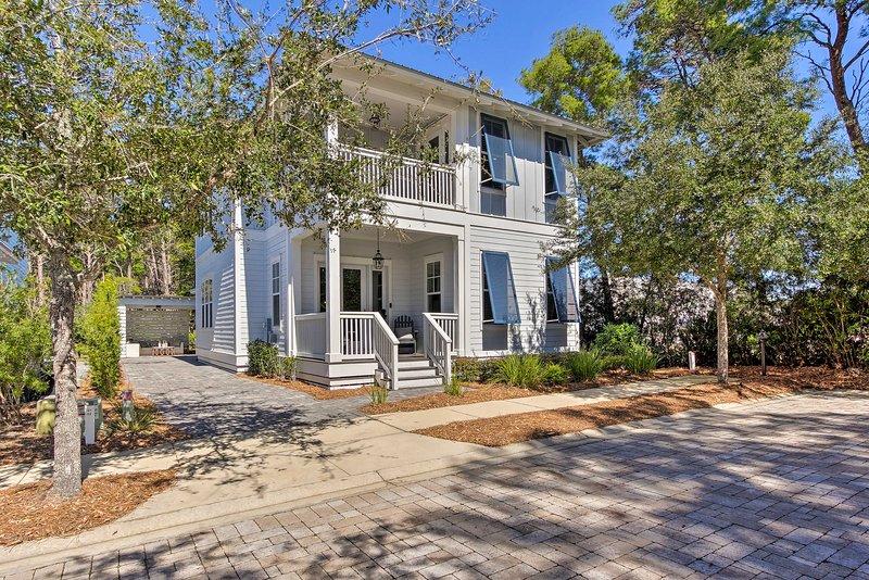 Questa casa vacanza a Santa Rosa Beach si trova a meno di un miglio dalla spiaggia!