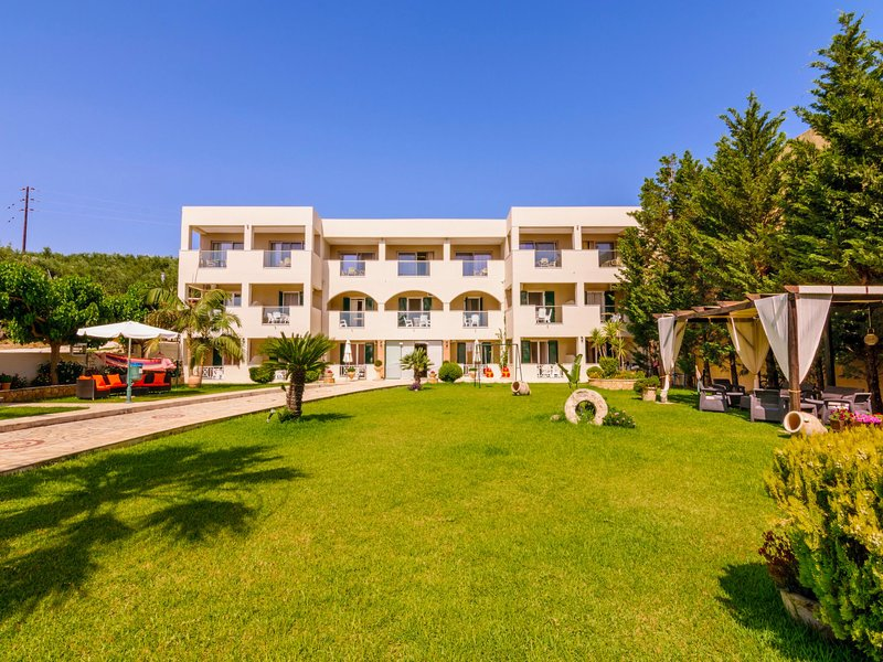 Sandy Superior Apartment, holiday rental in Ammoudi