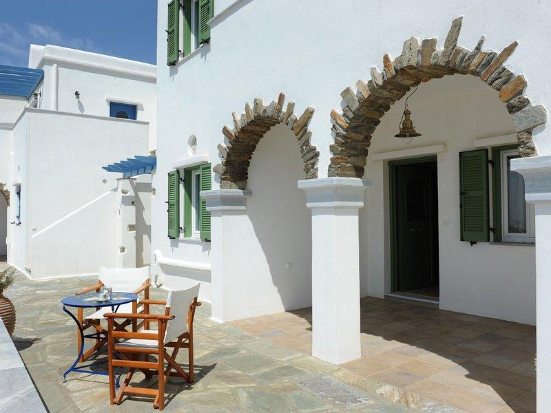 Ormos Apartment II, holiday rental in Triantaros