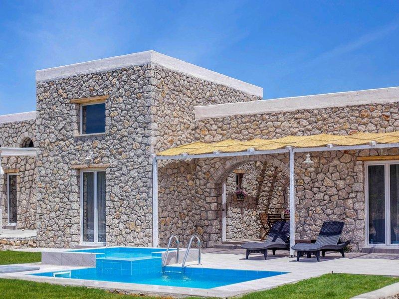 Belvita Stonebuilt Villa, holiday rental in Kolimbia