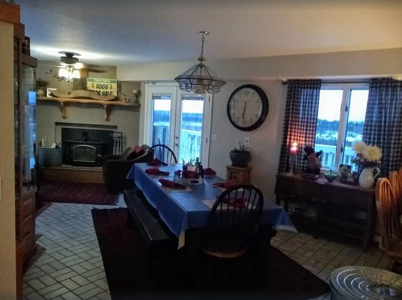 Bend in The Creek Bed and Breakfast, holiday rental in King Salmon