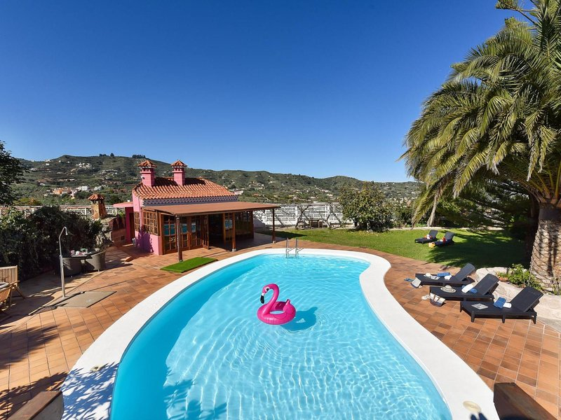 Finca Madroñal with Pool 6p, holiday rental in Pino Santo Alto