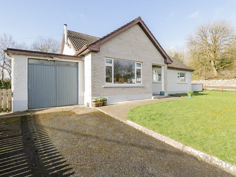 Lug Beag, Collooney, County Sligo, holiday rental in Rosses Point