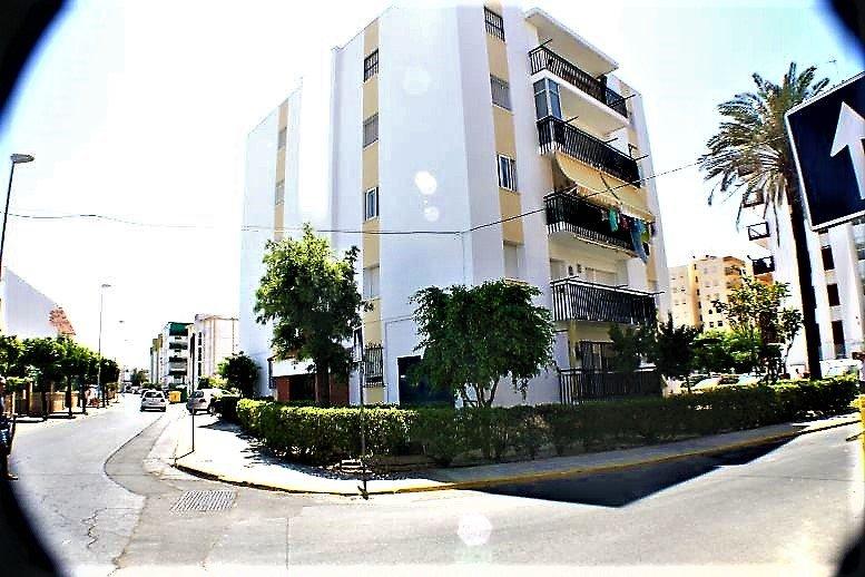 La Antilla/Islantilla-Apartamento 6PAX cerca de la playa con aparcamiento, holiday rental in Cartaya