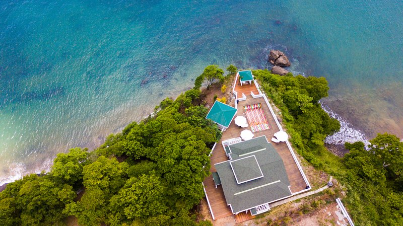 Between heaven and sea The Three Palms Beach Villa, holiday rental in Laborie