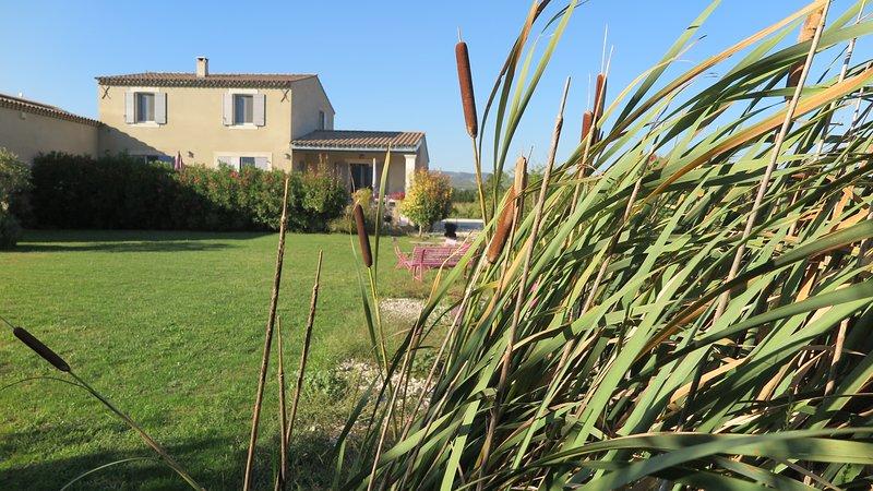 Gite Coquelicot Le Petit Luberon, vacation rental in Avignon