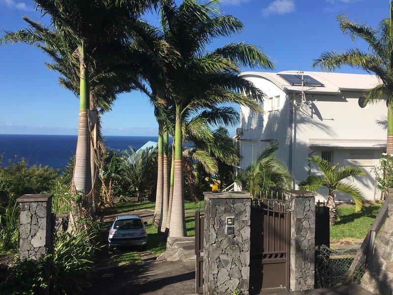 Villa Annadele - calme et vue exceptionnelle, casa vacanza a Matouta