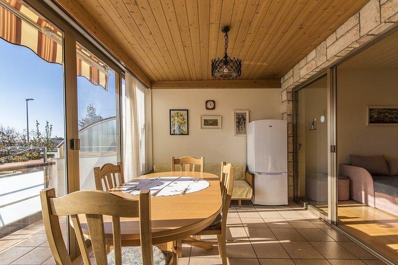 Holiday home 185361 - Holiday apartment 215409, holiday rental in Karigador