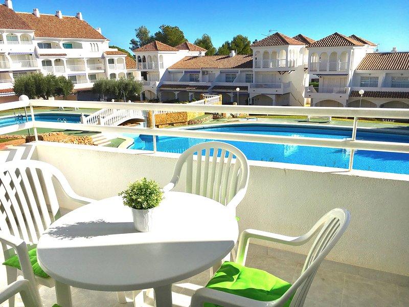 Preciosa urbanización cerca del mar, holiday rental in Alcala de Xivert