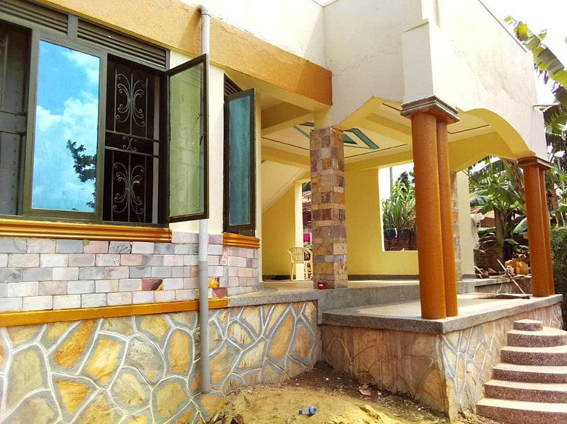 fully self contained House, location de vacances à Kampala