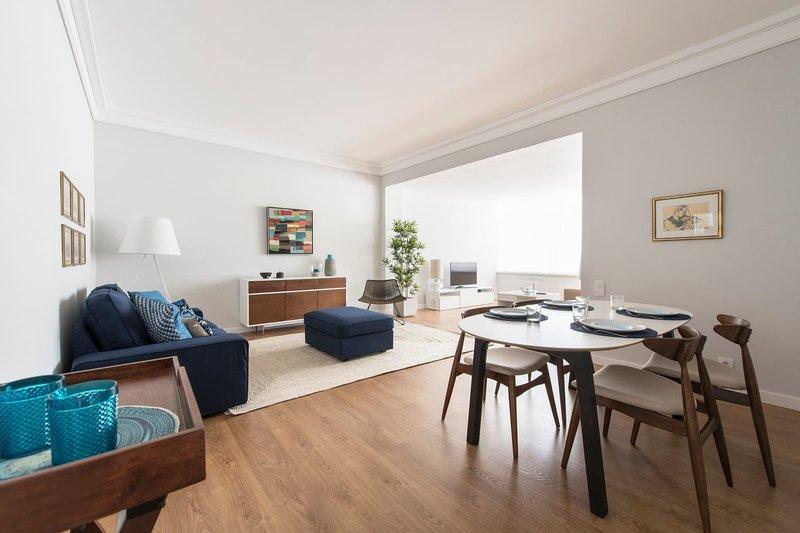 Elegant and bright apartment in Estoril, holiday rental in Joao do Estoril