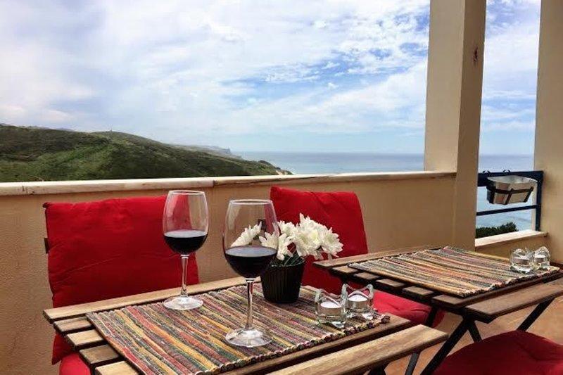 Stunning view of the sea, Cabo da Roca and Sintra, alquiler de vacaciones en Magoito