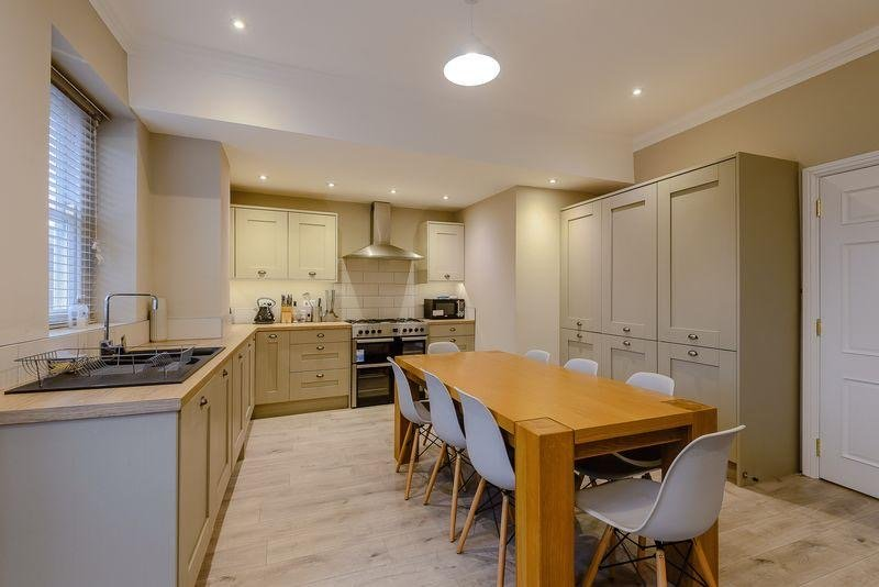 Luxury Listed Townhouse 350 Yards From Chester Racecourse, location de vacances à Broughton