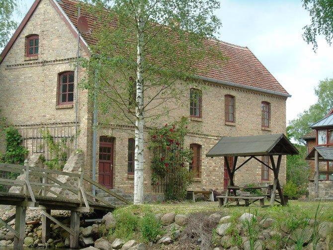 Rosenhaus links, vacation rental in Reuterstadt Stavenhagen