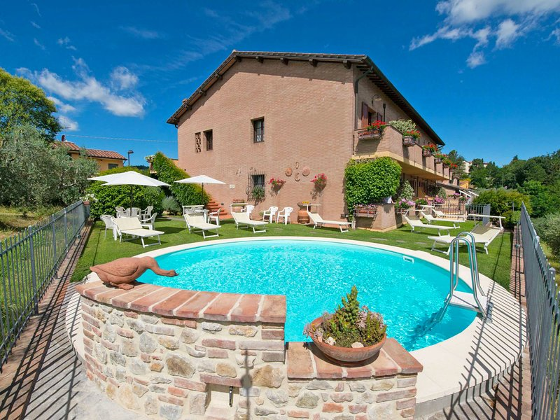Lari, holiday rental in San Gimignano