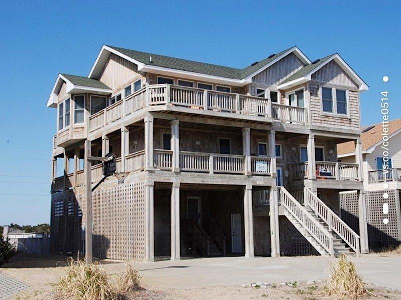 8 Bedrooms, 8.5 baths, semi-ocean front, great views, large rec. room! SNH-15, location de vacances à Nags Head