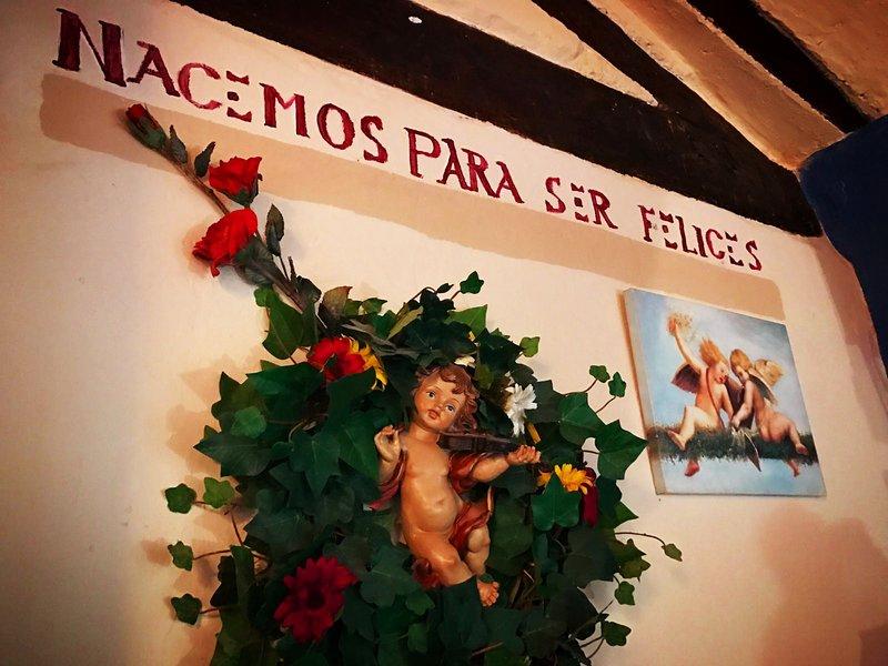Se alquila habitacion en preciosa casa rural ideal para escapada romantica, location de vacances à Almodovar del Pinar