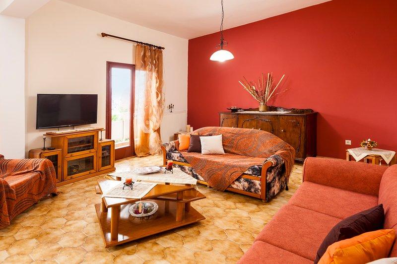 Private 3 Bedroom House near Falassarna , Balos, Elafonisi - Falassarna House, holiday rental in Platanos