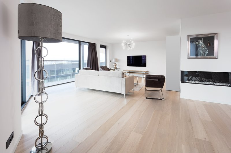 Prestigieux appartement d'Exception Panorama 360° Immeuble luxueux neuf, holiday rental in Brussels