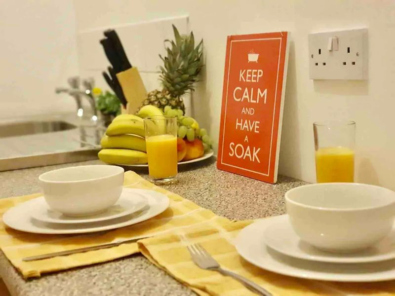 Studio 5, with FREE ST PARKING, near City Centre, casa vacanza a Crosby