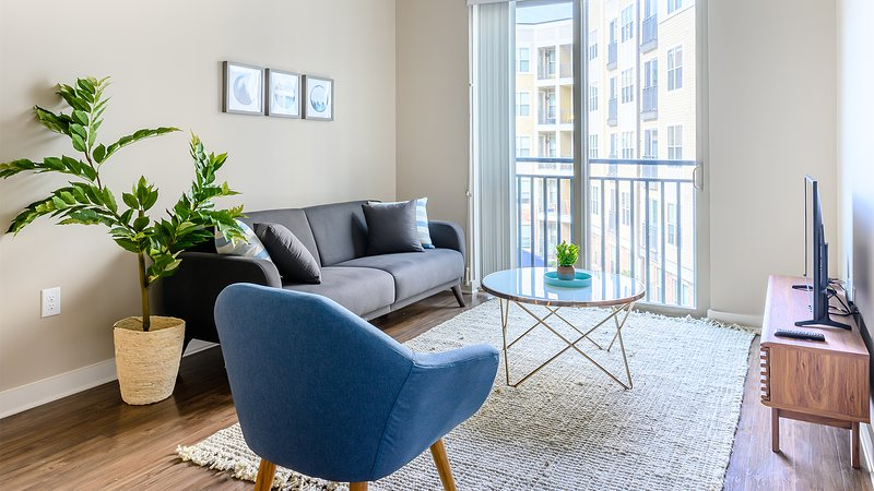Viagem | Durham | Downtown Urban 2BR w/Parking, location de vacances à Durham