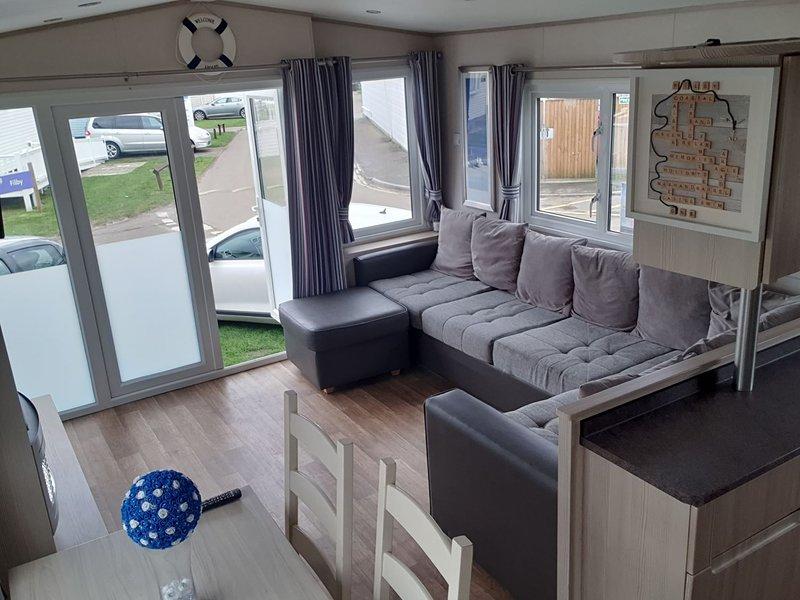 Prestige Haven Caister Holiday Park, CH&DG, Pet Friendly, decking 3 bed 8 berth, location de vacances à Runham