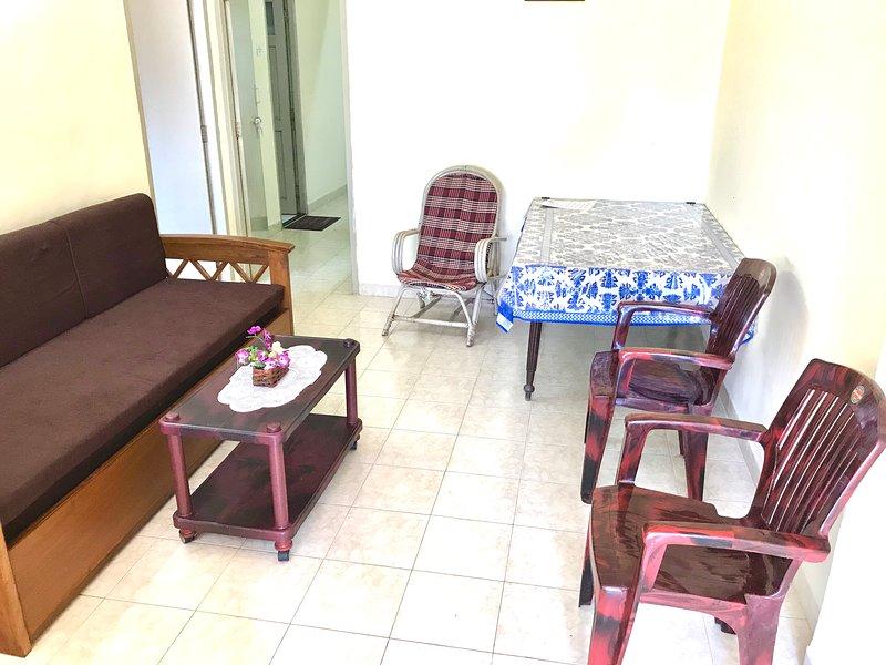 Menezes Apartment, holiday rental in Colva