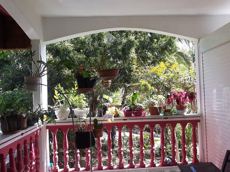 Beautiful apartment with terrace, casa vacanza a Pointe-à-Pitre