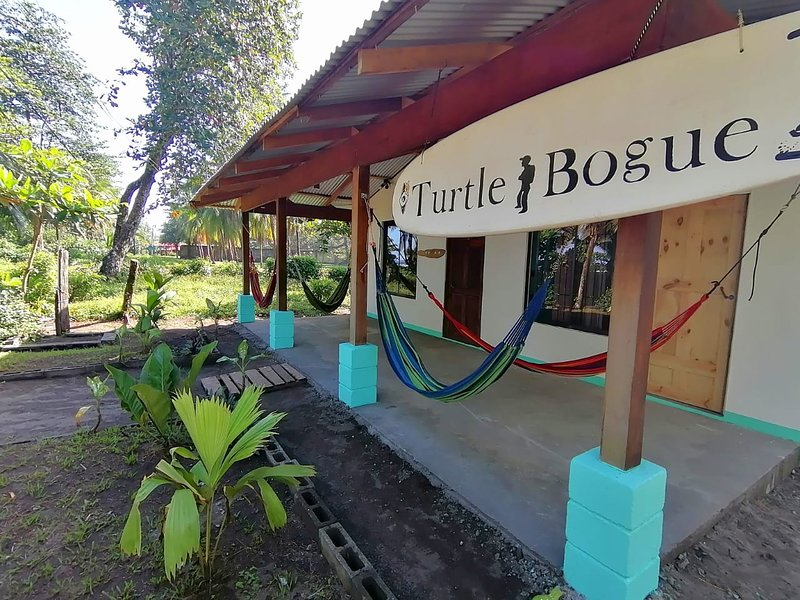 Casa turtle Bogue, location de vacances à Tortuguero