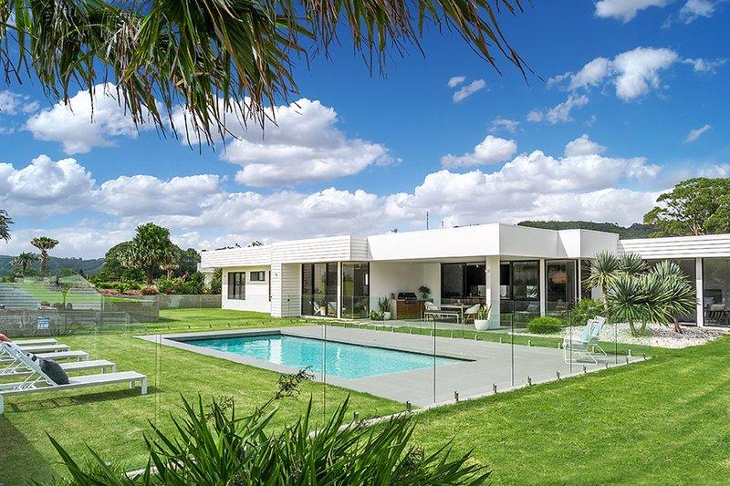 Byron Bay Luxury Holidays - Scenic Vista, alquiler de vacaciones en Skinners Shoot