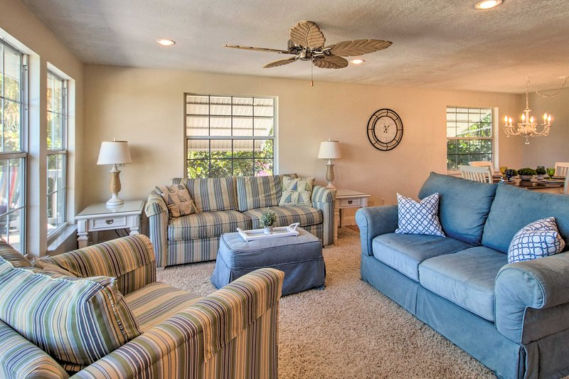 Upscale Abode w/ Pool < 5 Miles from Jensen Beach!, holiday rental in Hutchinson Beach