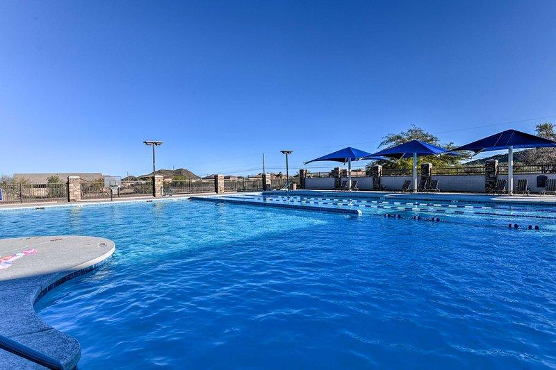 Esta casa de 3 dormitorios y 2 baños cuenta con una ubicación ideal con un complejo turístico.