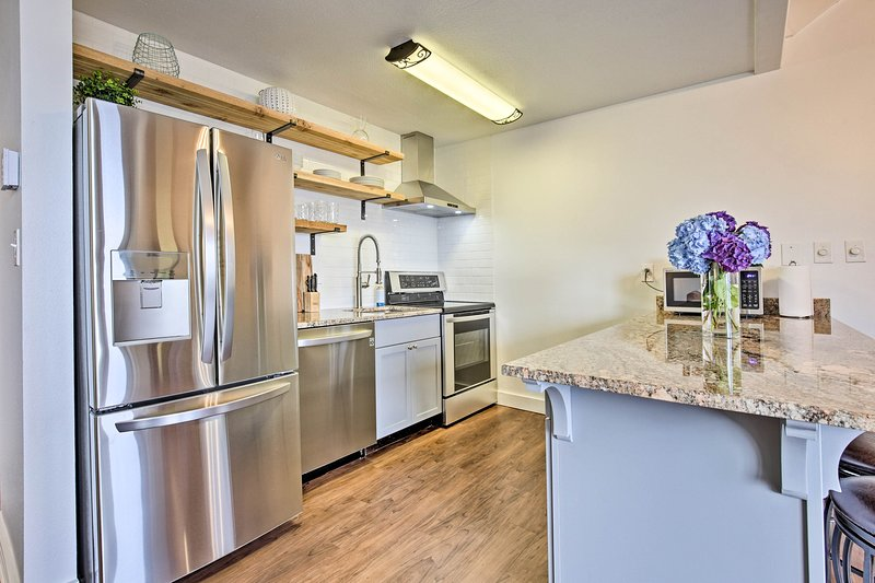 This 1-bed, 1-bath unit provides accommodations for 4 guests.